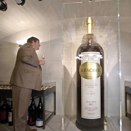 Botella grande llega a Argentina
