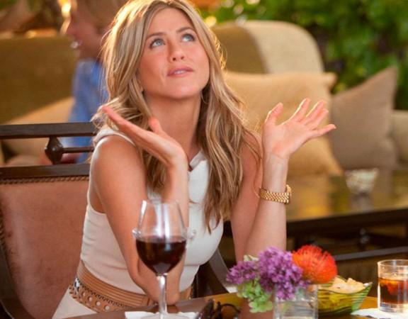 JenifFer Aniston y Vino